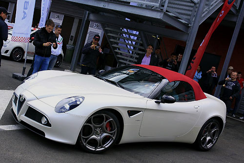 zoute grand prix 2010 l alfa romeo 8c spider en guest star automania. Black Bedroom Furniture Sets. Home Design Ideas