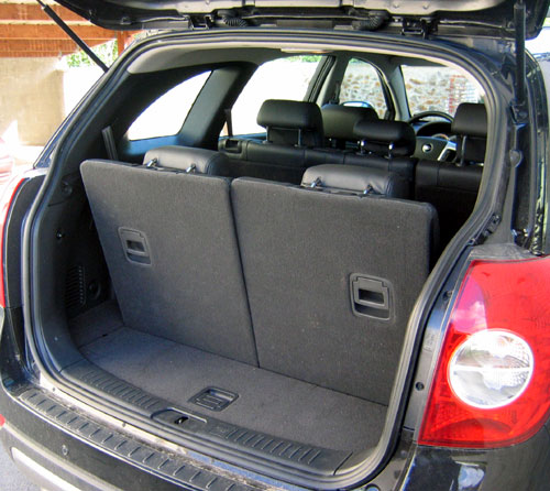essai chevrolet captiva lt plus 2 0 vcdi 150 cv automania. Black Bedroom Furniture Sets. Home Design Ideas
