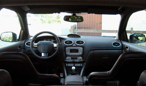 Essai ford focus rs 2009 automania for Ford focus 2006 interieur