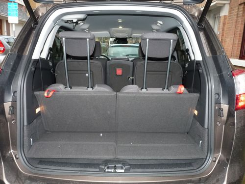 volume coffre ford focus 28 images renault megane ii vie 224 bord volume coffre ford focus. Black Bedroom Furniture Sets. Home Design Ideas