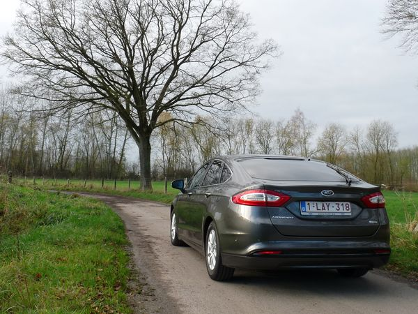 Ford Mondeo 5p 1.5 TDCi 120 ch ECOnetic - 2015