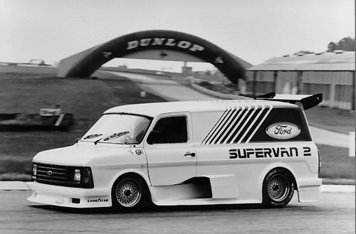 Automobile - Page 4 Ford%20Transit%20SUPERVAN%202%201985