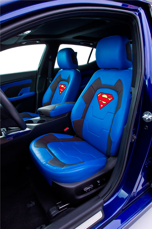 Kia Optima Hybrid Superman-inspired Chicago 2013
