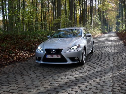 Lexus IS 300h 2013