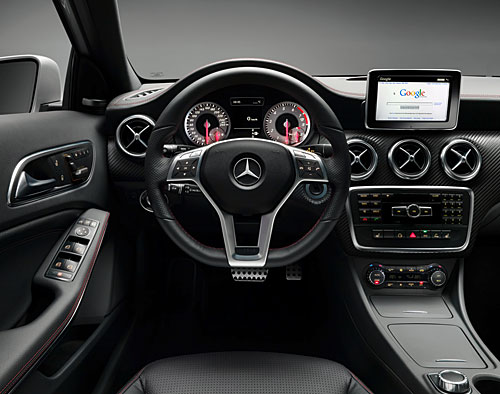 La nouvelle mercedes benz classe a pr sent e en premi re for Mercedes a klasse amg interieur