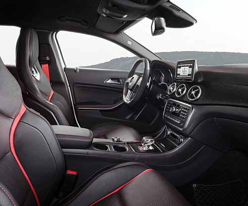 mercedes benz gla 45 amg premi re mondiale detroit premi res commandes d s la mi mars et. Black Bedroom Furniture Sets. Home Design Ideas