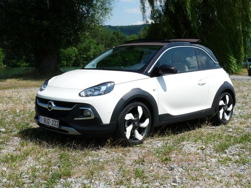 essai complementaire l opel adam rocks urbaine et singuli re automania. Black Bedroom Furniture Sets. Home Design Ideas