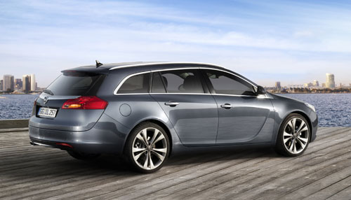 "Opel Insignia Sports Tourer 2009 ""© GM Corp."""