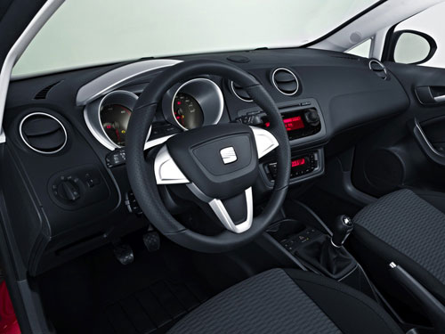 seat ibiza st 2011 quand dynamique rime avec caract re tr s pratique automania. Black Bedroom Furniture Sets. Home Design Ideas