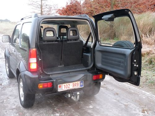 essai suzuki jimny 1 3 vvt 16 valve un vrai tout. Black Bedroom Furniture Sets. Home Design Ideas