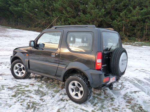essai suzuki jimny 1 3 vvt 16 valve un vrai tout terrain automania. Black Bedroom Furniture Sets. Home Design Ideas