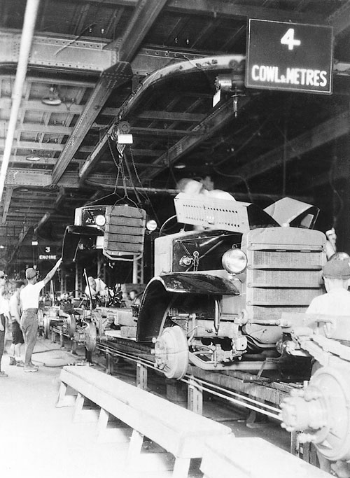 1945 : La production des camions KC