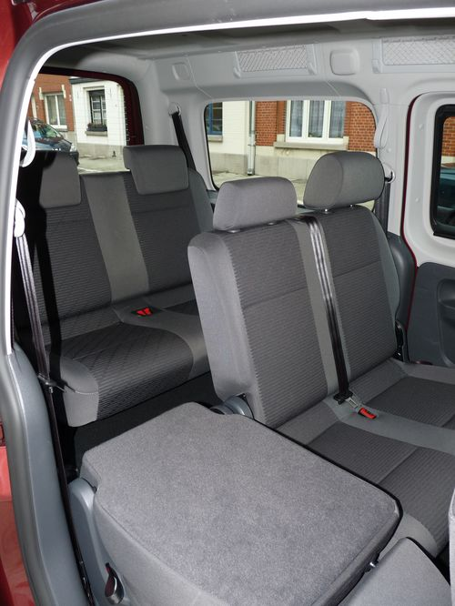 essai le vw caddy de l 39 espace revendre automania. Black Bedroom Furniture Sets. Home Design Ideas