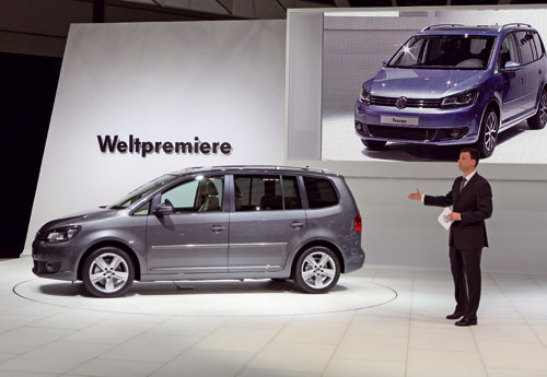 le nouveau volkswagen touran 2011 au mieux de sa forme automania. Black Bedroom Furniture Sets. Home Design Ideas