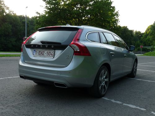 essai la volvo v60 plug in hybrid l 39 hybride la su doise automania. Black Bedroom Furniture Sets. Home Design Ideas