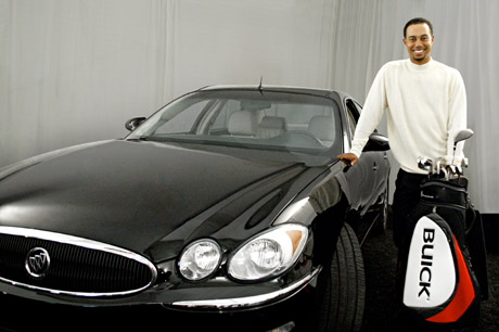 Buick LaCrosse CXS 2005 & Tiger Woods.