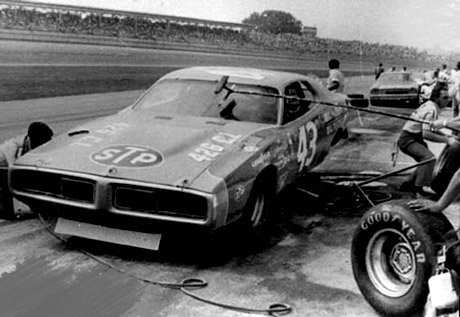 R.PETTY & DODGE CHARGER STP.
