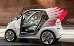 Le styliste Jeremy Scott relooke la smart fortwo electric drive