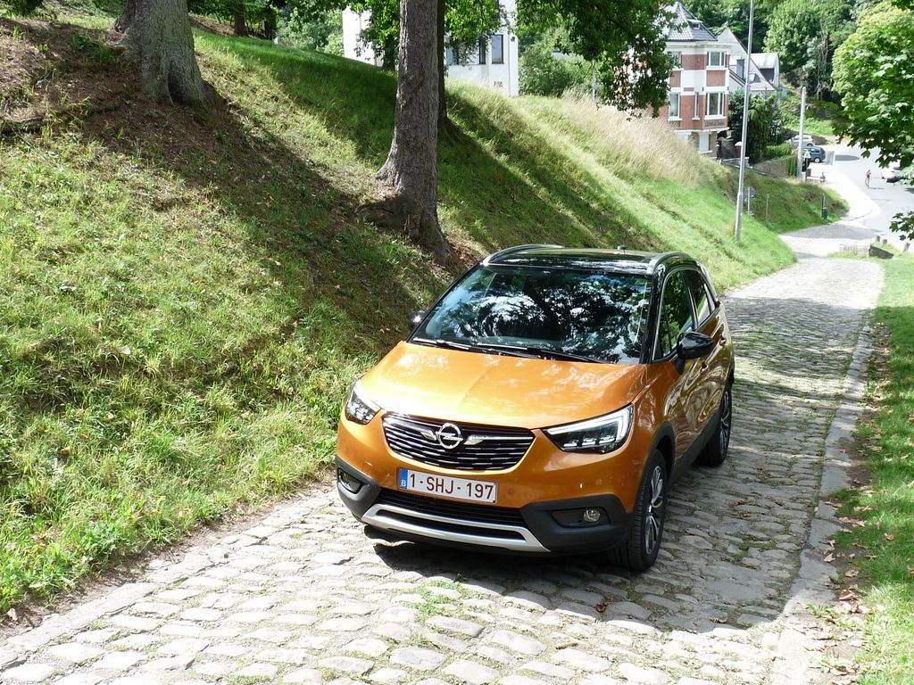 les opel mokka et crossland des fr res ennemis automania. Black Bedroom Furniture Sets. Home Design Ideas