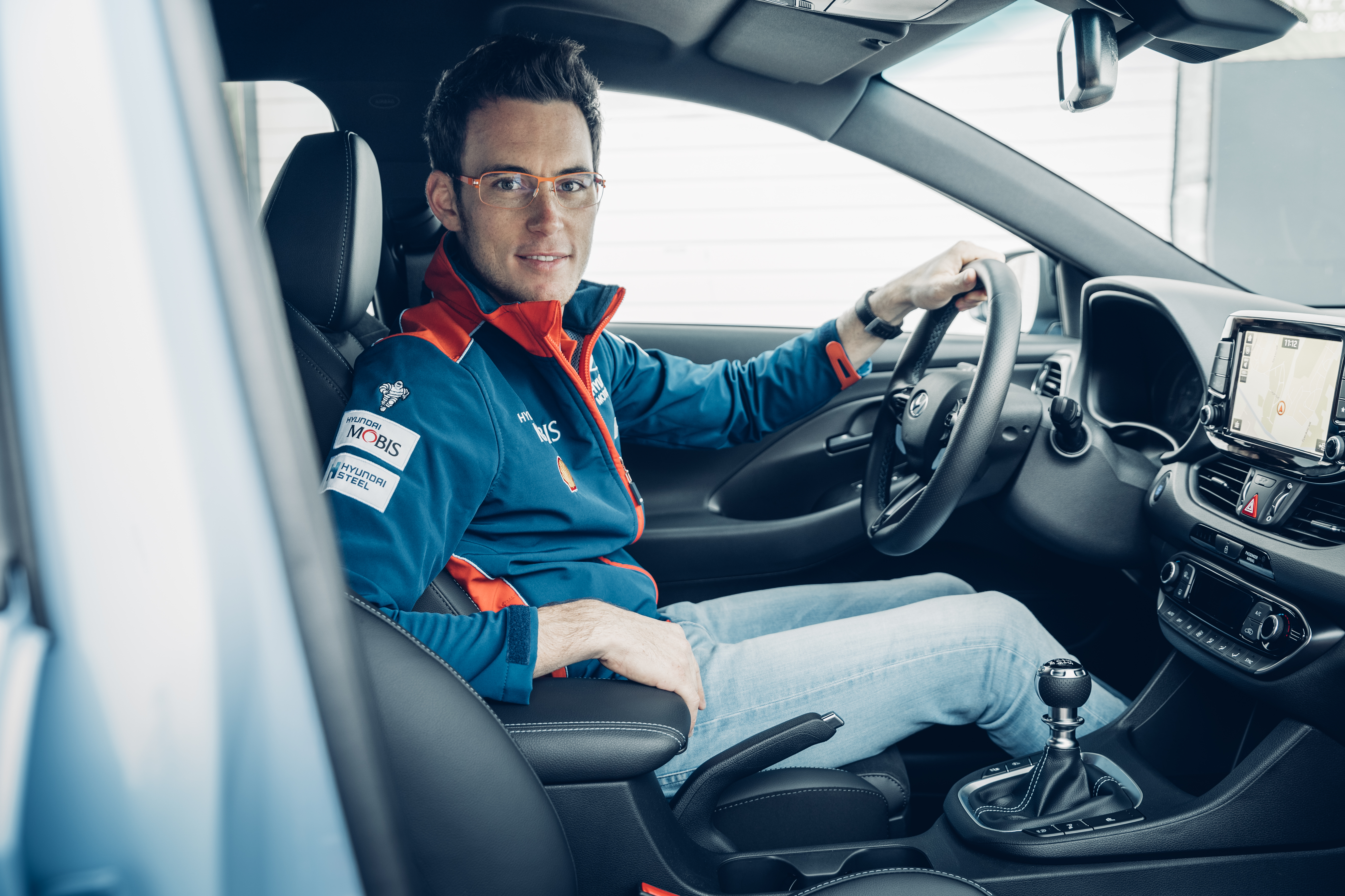 s ries sp ciales tirage limit hyundai i30n thierry neuville limited edition automania. Black Bedroom Furniture Sets. Home Design Ideas