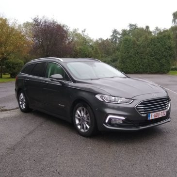 La Ford Mondeo Clipper HEV : plus pratique